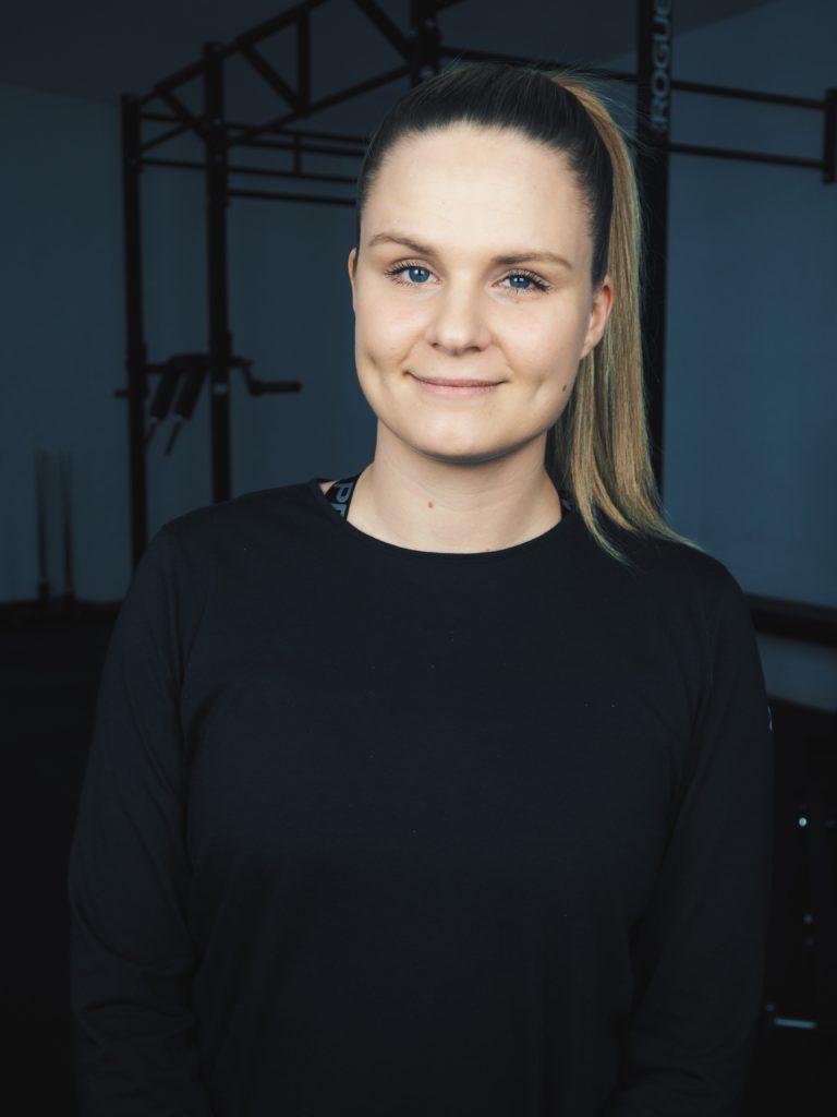 Team Kraftbasis Stuttgart Sabrina Dieskau Training Ernährung Female Performance